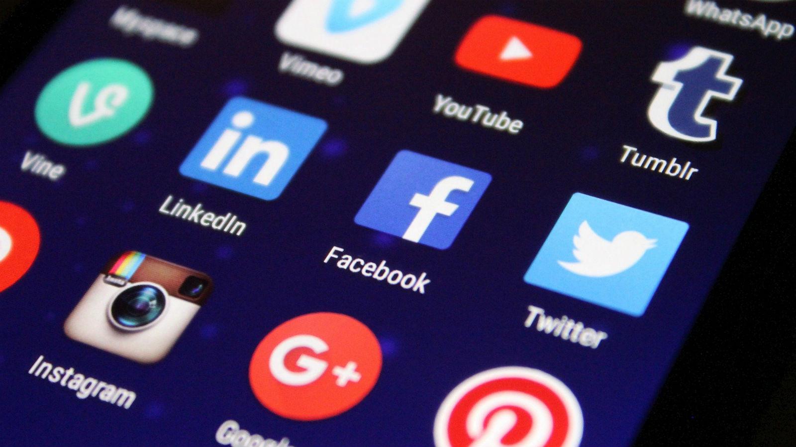 social_media_tech